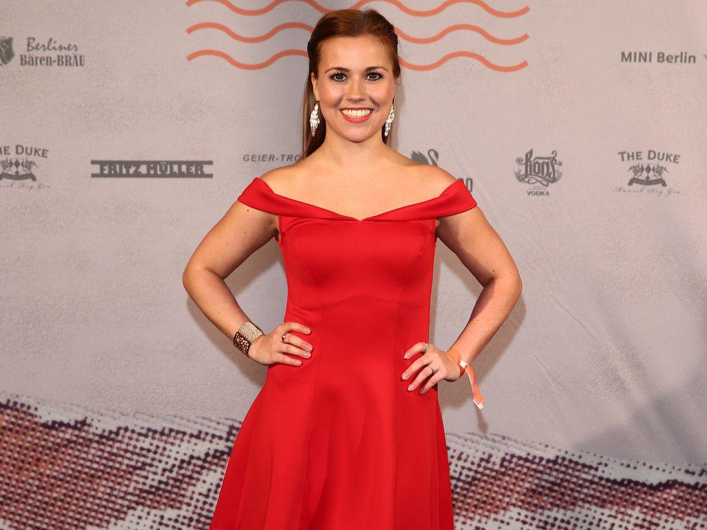 Sarah Tkotsch bei der Bavaria Film Party 2016