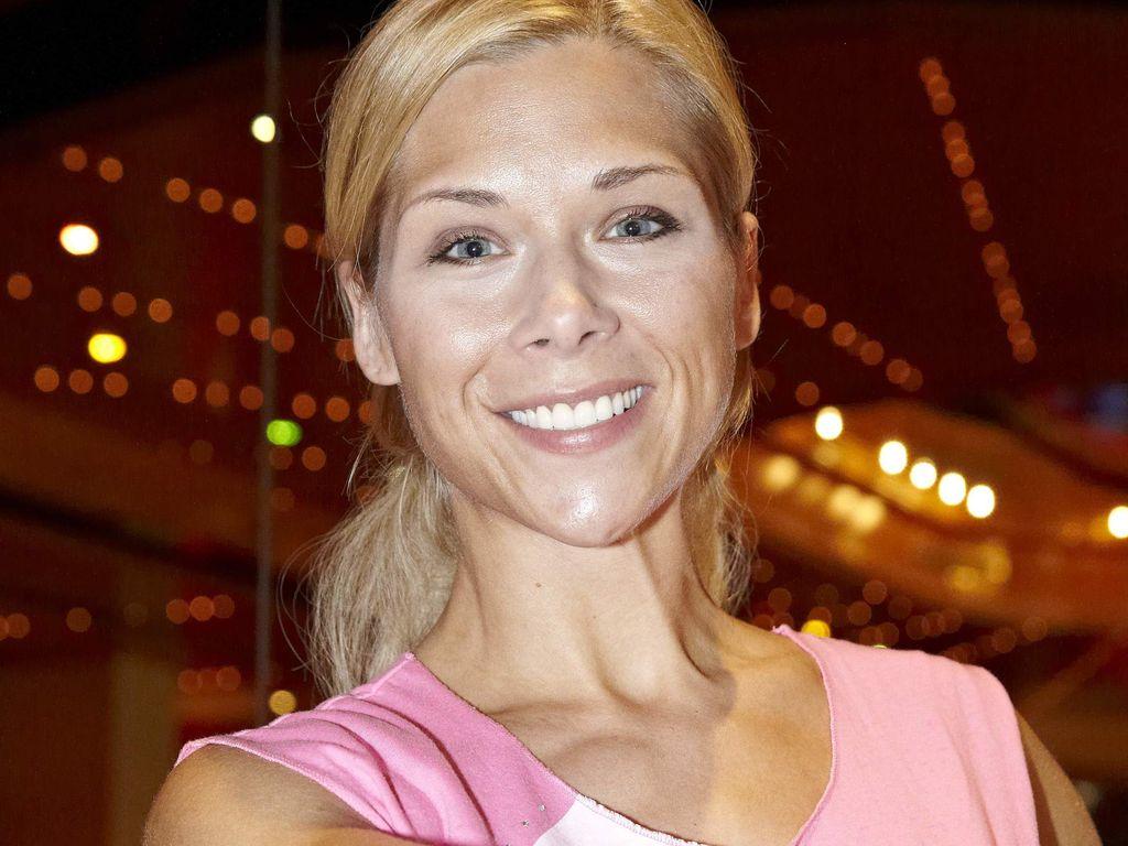 Tanja Szewczenko Awz