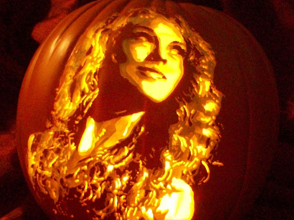 Taylor Swift (Celebrity Pumpkin Carvings)