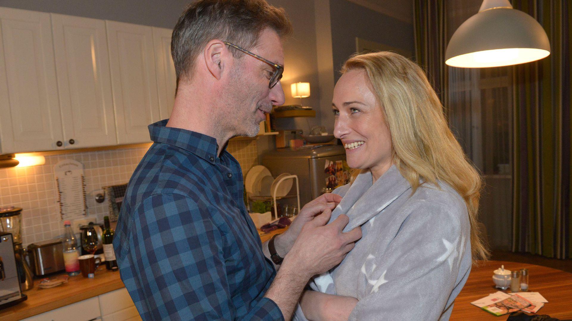 Gzsz Drama Maren Kämpft Nach Der Geburt Um Ihr Leben Promiflashde