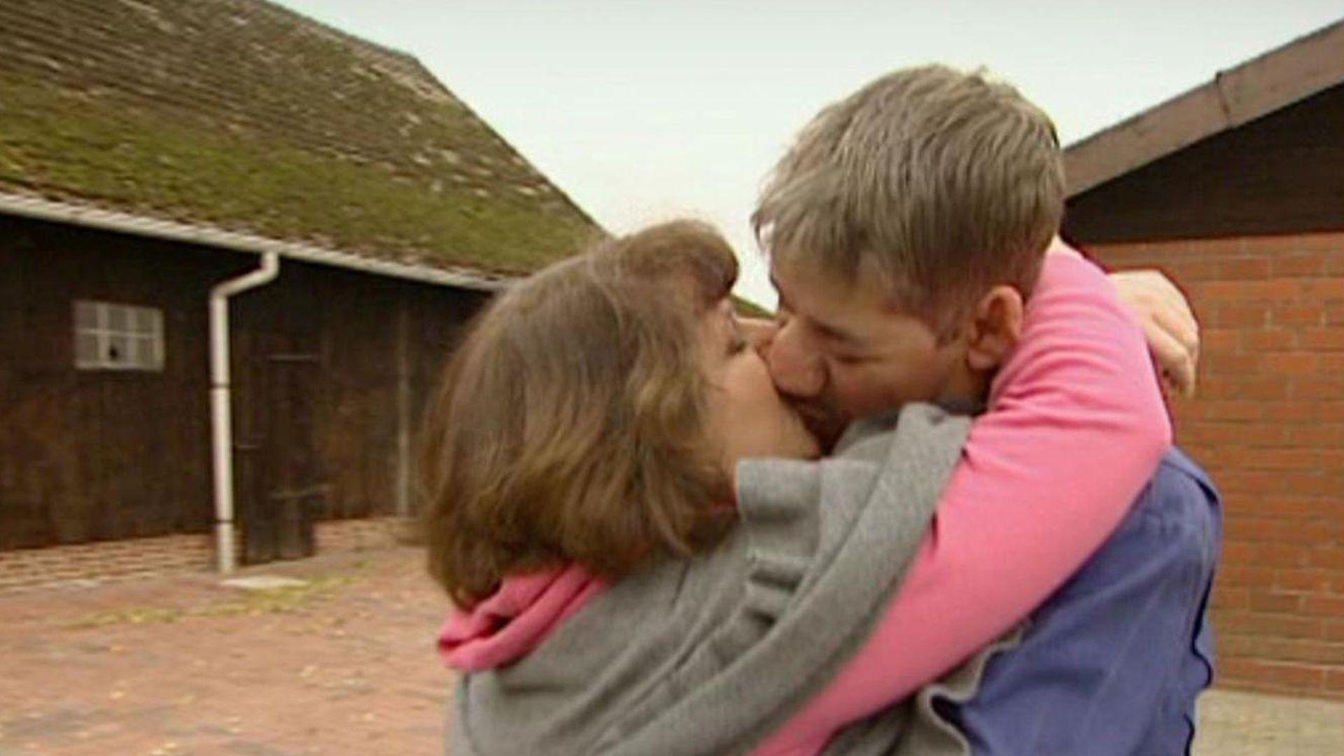 Russische Frau Anet Alter: 27 sucht Mann zu Heiraten
