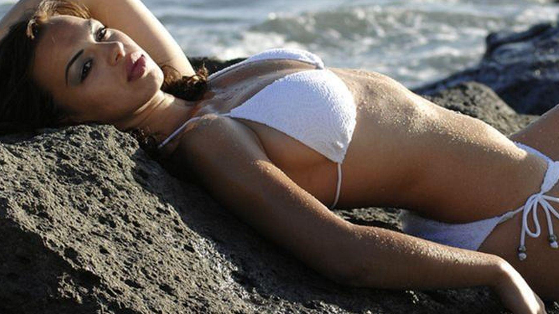 Manswers wie klein kann ein Bikini werden