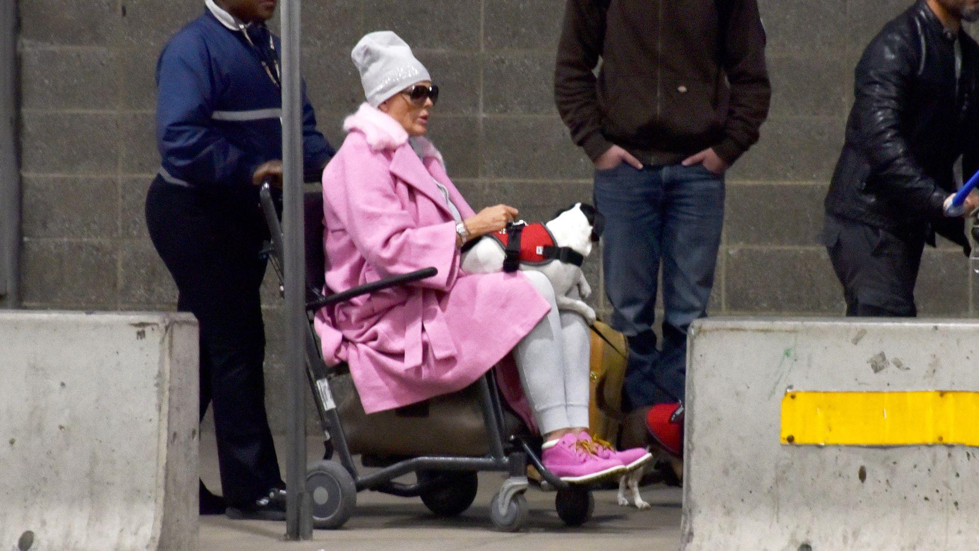 Im Rollstuhl Inkognito Was Ist Mit Brigitte Nielsen Los