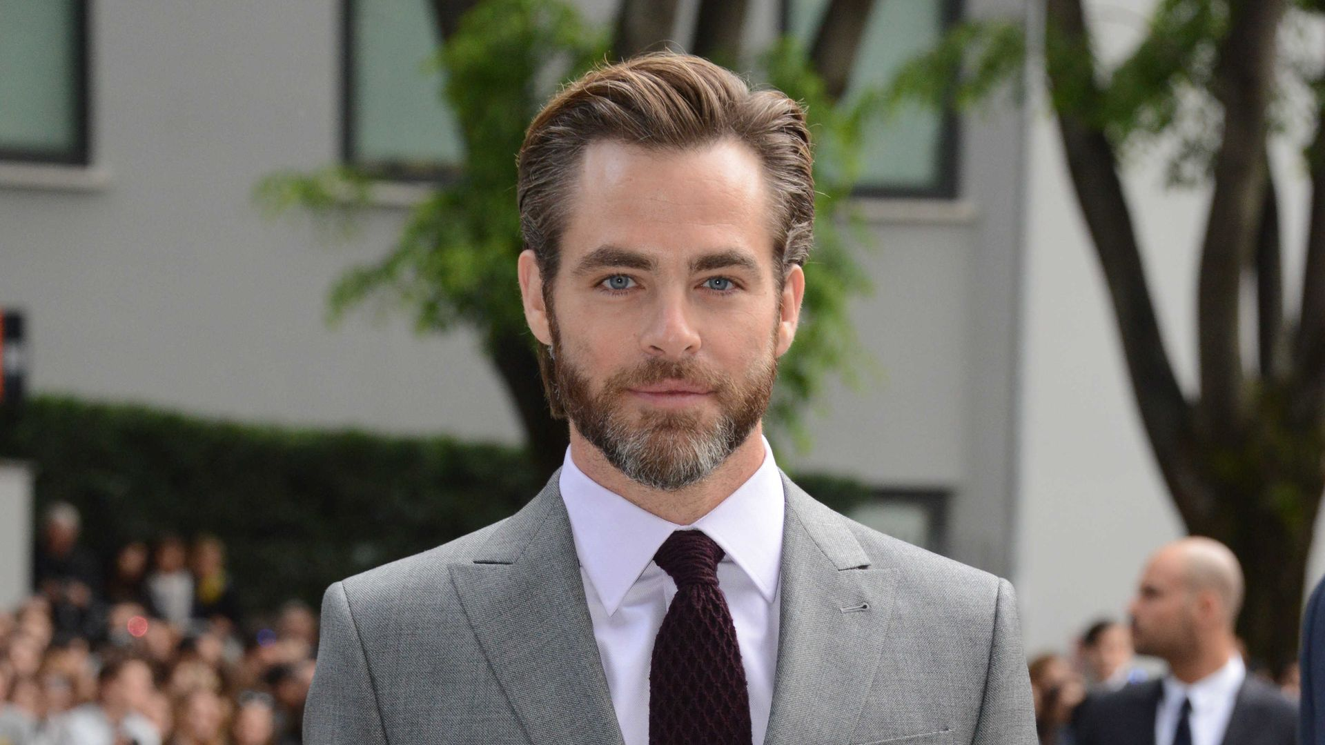 chris pine wird er wonder woman den kopf verdrehen. Black Bedroom Furniture Sets. Home Design Ideas