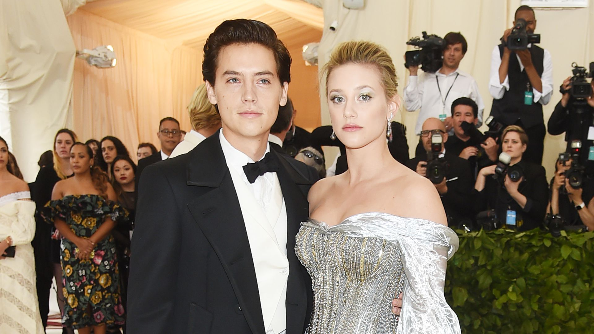 -Riverdale-Cole-Sprouse-spricht-ber-Beziehung-mit-Lili