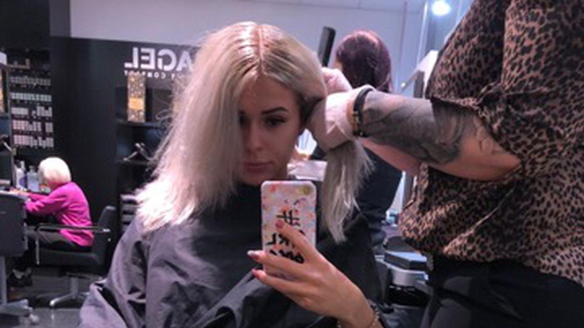 Kurz vorm Heulen: Friseur-Fail bei Bachelor-Janine Christin! - Promiflash.de