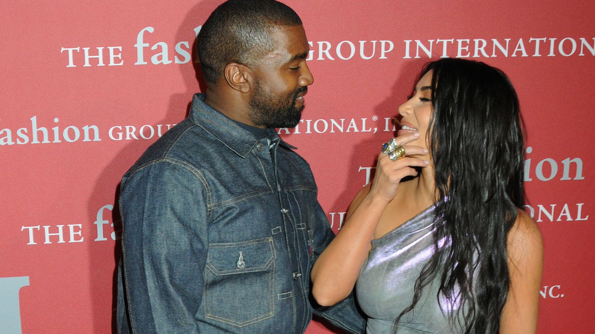 Baby Nummer fünf mit Kanye? Kim Kardashian spricht Klartext - Promiflash.de