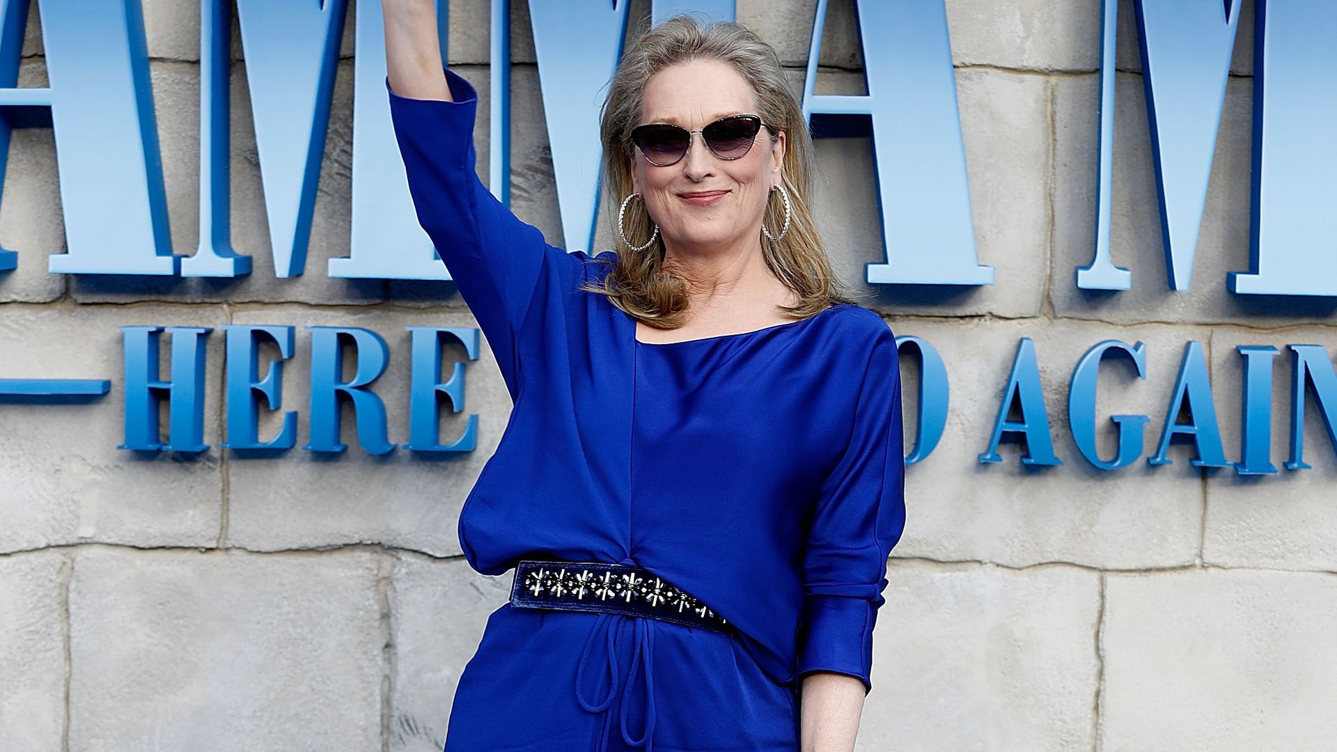 mamma mia 2 was ist mit donna passiert f nf fan theorien. Black Bedroom Furniture Sets. Home Design Ideas