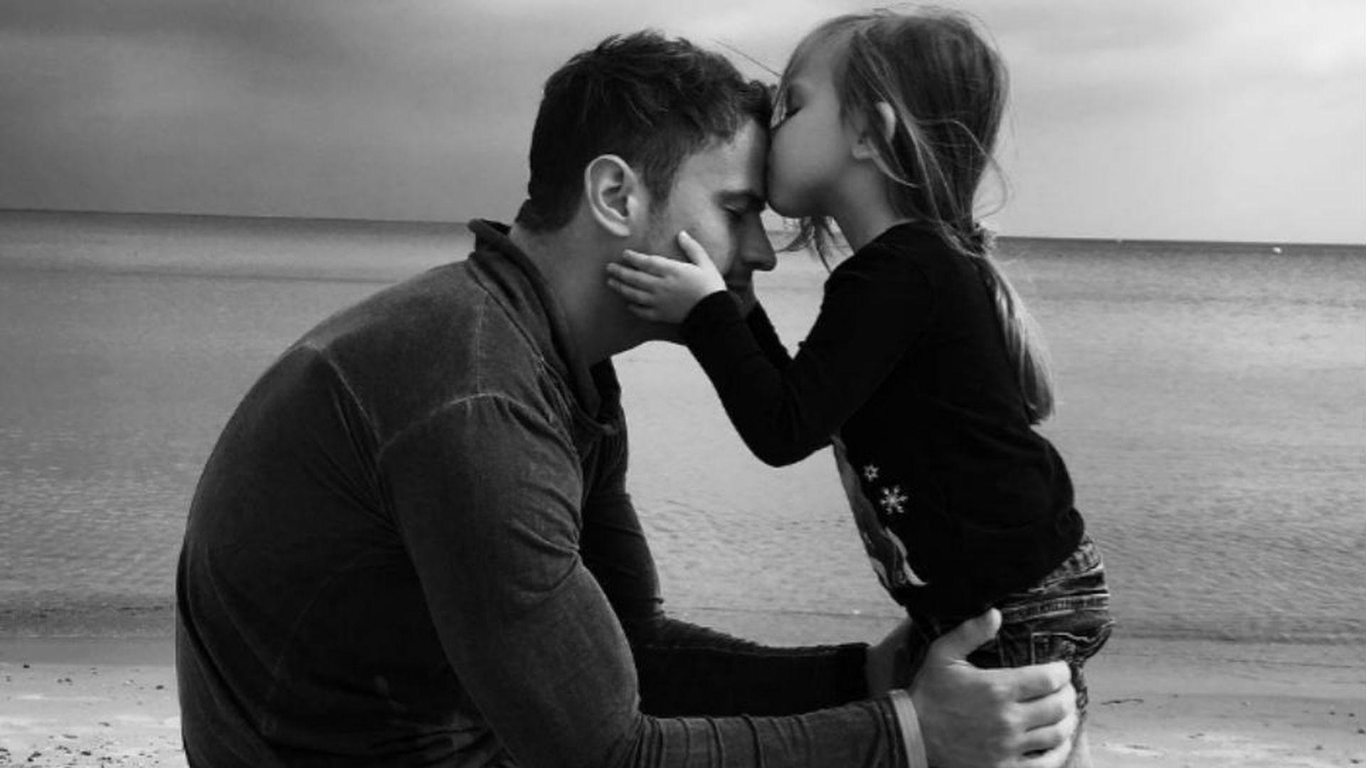 Rothaarige Tochter Und Papa
