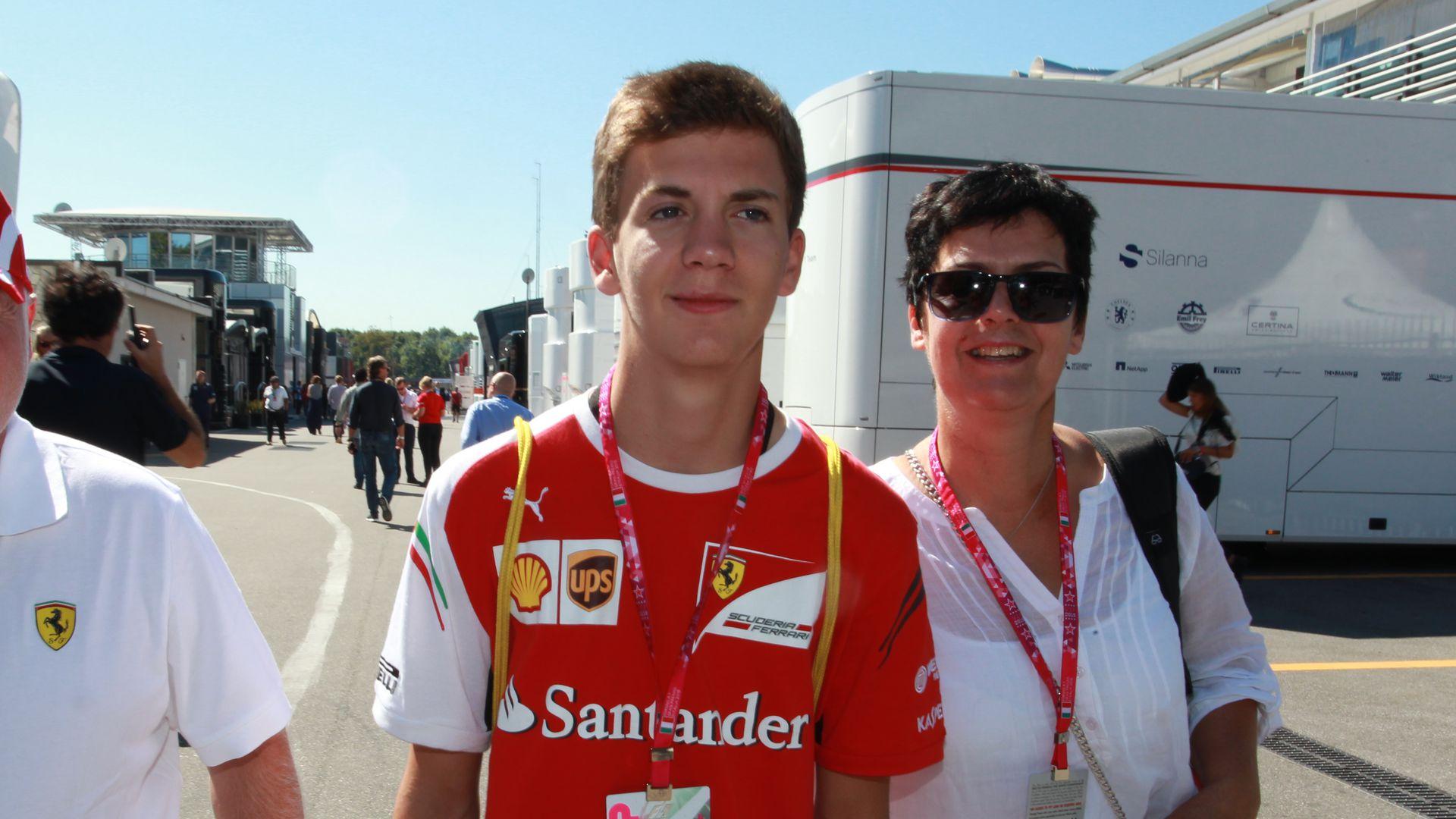 Erkannt Das Ist Sebastian Vettels Bruder Fabian Promiflashde
