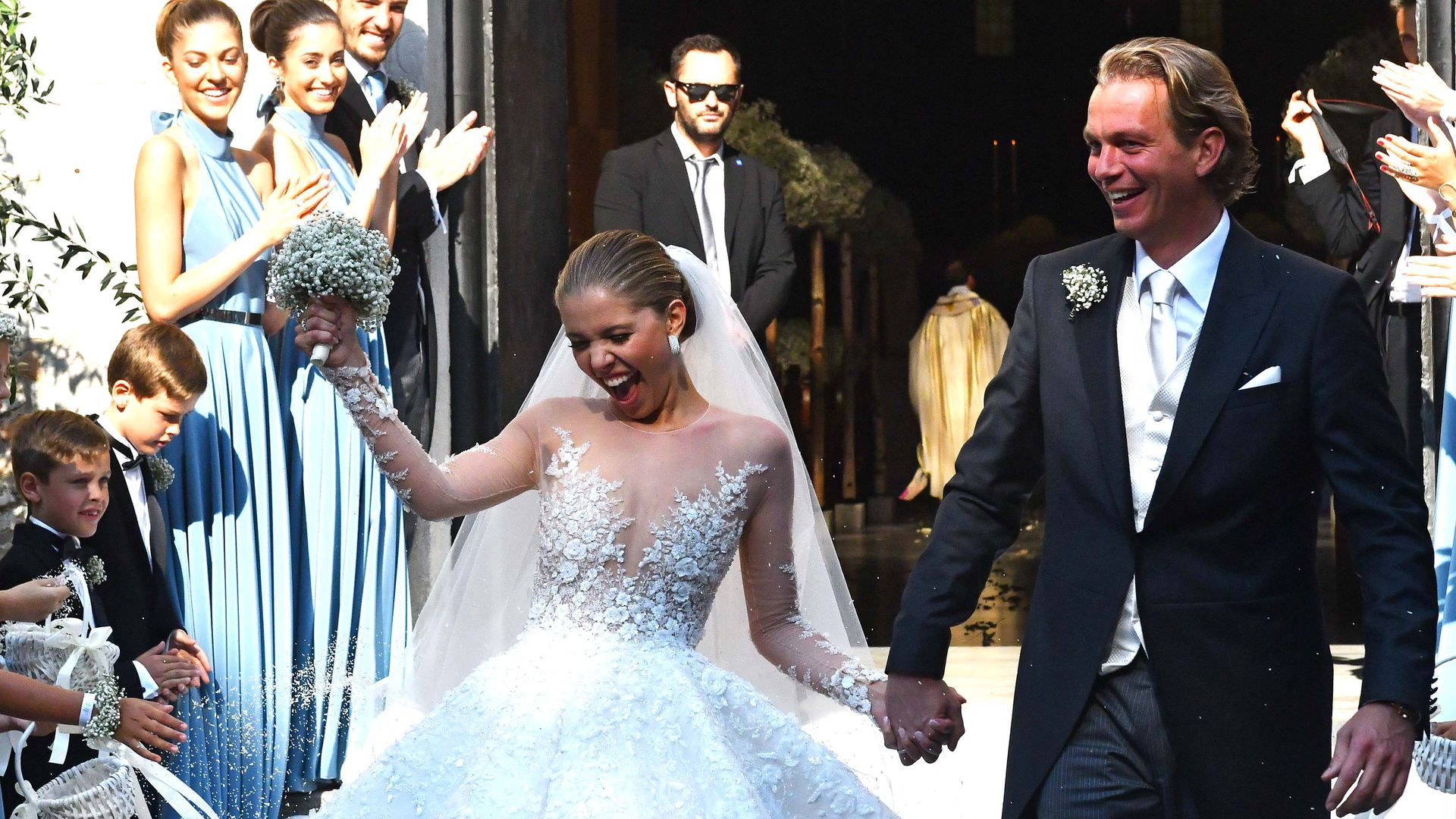 800.000 Euro: Details zu Victoria Swarovskis Brautkleid!   Promiflash.de