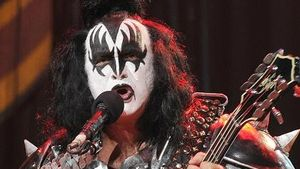 Begrabschte Kiss-Sänger eine Maskenbildnerin?