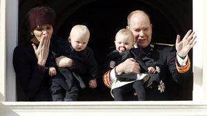 Fürstin Charlène, Albert II von Monaco, Prinzessin Gabriella und Prinz Jacques