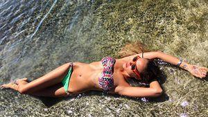 Alena Gerber am Meer