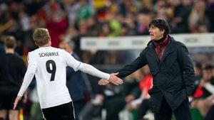 André Schürrle und Joachim Löw bei der WM-Qualifikation 2013