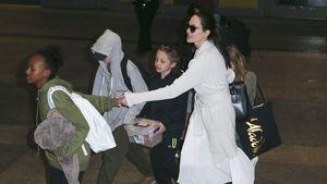 Angelina Jolie mit Shiloh, Pax, Knox, Vivienne, Zahara und Maddox