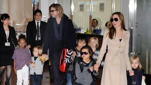 Angelina Jolie und Brad Pitt mit ihren sechs Kindern in Tokio