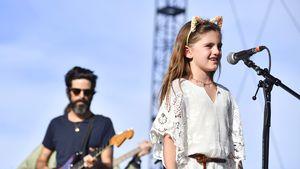 Sie singt! Alessandra Ambrosios Tochter auf Coachella-Bühne