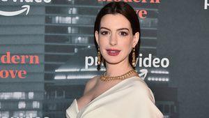 Wenn jemand nach Baby fragt: Anne Hathaway veräppelt alle!