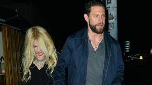 Nach Ehe-Aus wieder verliebt? Avril Lavigne hält Händchen!