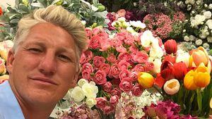 Wie süß: Bastian Schweinsteiger fragt bei Blumenwahl um Rat