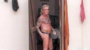Tanga-Gate im Sommerhaus: Shawne cremt Berts Hintern ein