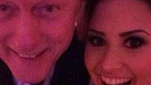 Krasse Selfie-Kombo: Demi Lovato & Bill Clinton