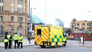 Die britische Polizei sperrt das Gelände um die Manchester Arena ab