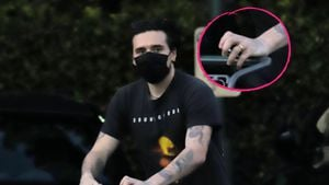 Ring am Finger: Hat Brooklyn Beckham schon geheiratet?