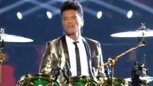 Granate! Bruno Mars liefert coole Super Bowl Show!