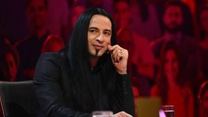 "Wegen Sarah als Skelett? ""The Masked Singer""-Bülent weint"