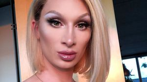 Autsch! Lippen-Aufspritz-Fail bei Drag-Star Candy Crash