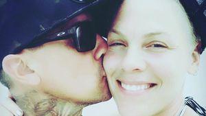 Pink wird 40: Ihr Mann Carey zeigt sich wahnsinnig verliebt!