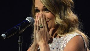 Völlig überwältigt: Carrie Underwood im Baby-Glück