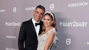 Im Glitzerkleid: Jessica Alba strahlt verliebt mit Ehemann
