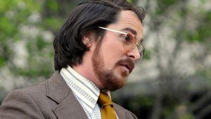 Kaum zu erkennen: Christian Bale mit Bierplauze