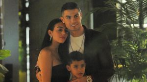 Seltenes Family-Pic: Ronaldo posiert mit Georgina & Sohn