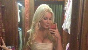 Seht hier Crystal Harris' raffiniertes Brautkleid!