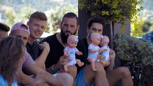 Wickeltest: Welcher Bachelorette-Boy wird zum Babynator?