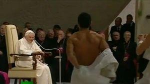 Supertalent-Stars entblößen sich vorm Papst
