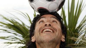 Unglaublich: Maradona spricht von Mafia-Sieg 1990!