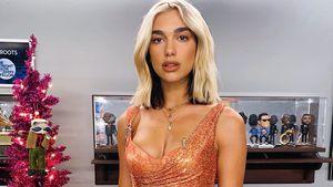 Dua Lipas Outfit: Gehört das Kleid nicht über den BH?