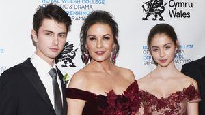 Catherine Zeta-Jones: Stilvoller Auftritt mit Sohn & Tochter
