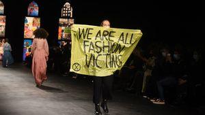 Pariser Fashion Week: Aktivistin stürmt Dior-Modenschau