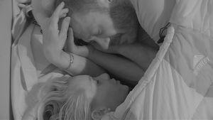 Kuschel-Zeit! PBB-Evelyn und Willi in einem Schlafsack!