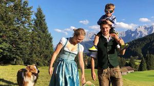 Felix Neureuther postet Familienfoto zu Matildas Taufe