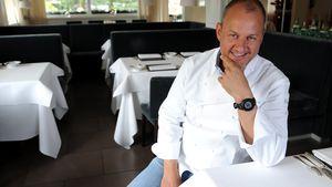 "Frank Rosin in seinem Restaurant ""Rosin"""