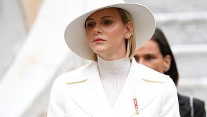Neuer Fashion-Fail? Fürstin Charlène in weißem Mantelkleid
