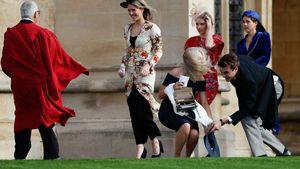 Starker Wind! Eugenies Hochzeitsgästen fliegen die Hüte weg