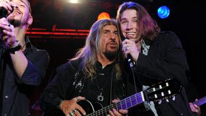Gil Ofarim mit seinem Vater Abi bei einem Konzert in München 2009